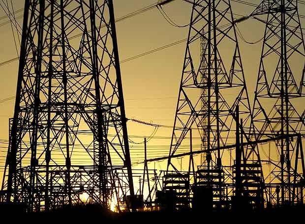 Eléctricas se muestra atentas ante baja del cobre