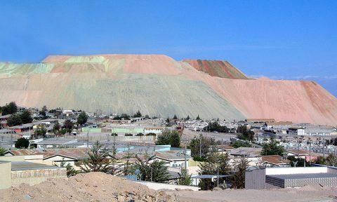 Trabajadores de Codelco realizan paro en chuquicamata
