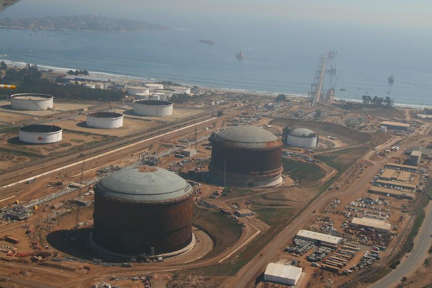 Principal productora de shale gas analiza instalar planta de GNL en