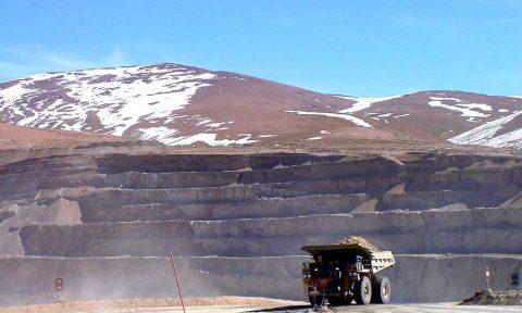 Mineras adelantan negociaciones con trabajadores