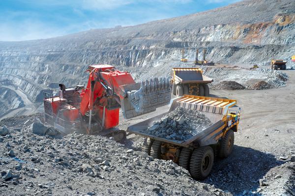Bolivia:Gobierno verificará productividad de casi 3.000 concesiones mineras