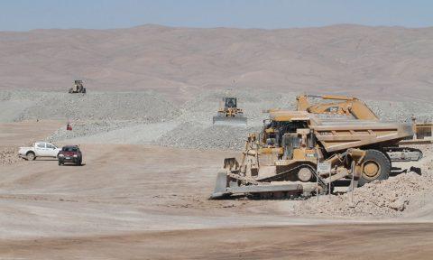 Senadores de regiones mineras revisan el sector