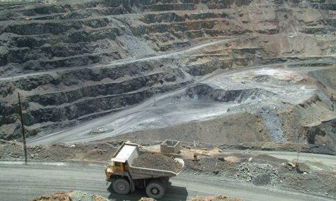 Mineras Buscan inversionistas para abrir proyectos de plata y cobre