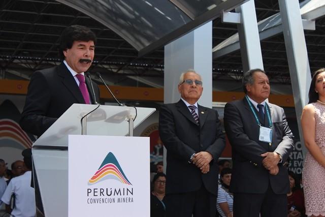 El Alcalde de Arequipa, Alfredo Zegarra, destacó los esfuerzos del IIMP para que la 32 Convención Minera se realizara nuevamente en Arequipa. (Foto: Revista NME)