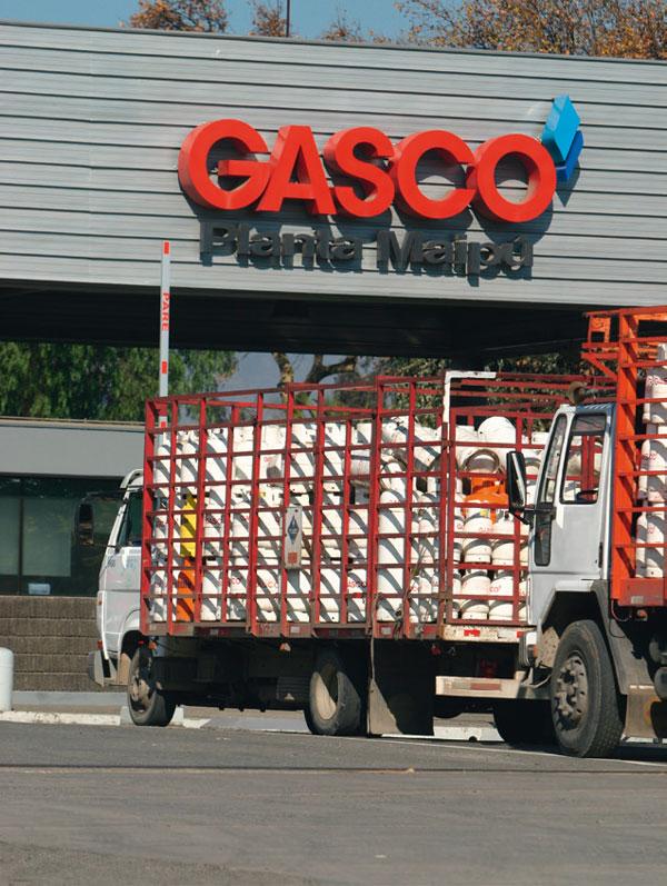 Gasco concreta divisi n de negocios y familia p rez cruz for Estanques de gas licuado