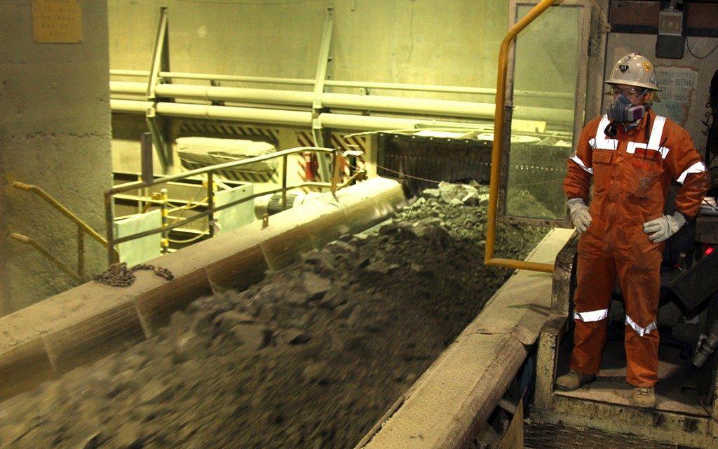Correas transportadores - minería - trabajador