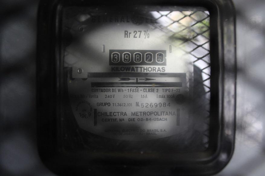Medidor eléctrico antiguo 1